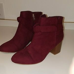 NEW - MIA Kaelyn Bow Bootie, Burgundy, Size 8